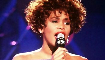 Whitney-Houston-Bron-Wikimedia-Commons
